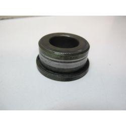 Entretoise d'axe de roue ar Z750 04/06