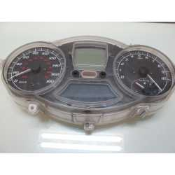 Compteur , tableau de bord 400 MP3
